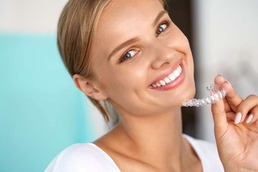 Weniger Zahnfleischentzündungen durch feste Zahnspangen